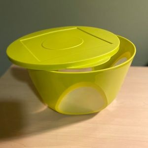 Tupperware 4.3L Bowl with Lid